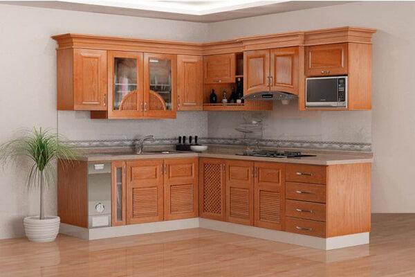 Mẫu tủ bếp sử dụng chất liệu gỗ tự nhiên